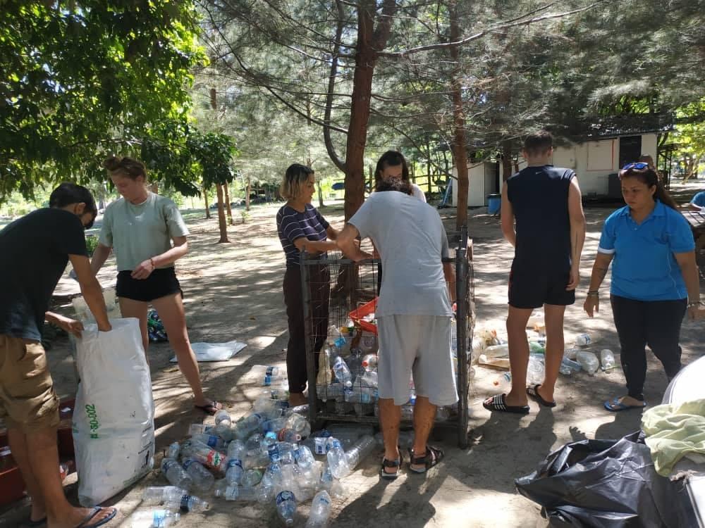 Beach cleanup around Ara Dinawan Island