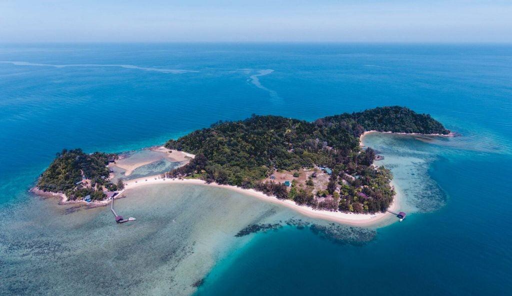4 - Aerial View of Ara Dinawan Island_