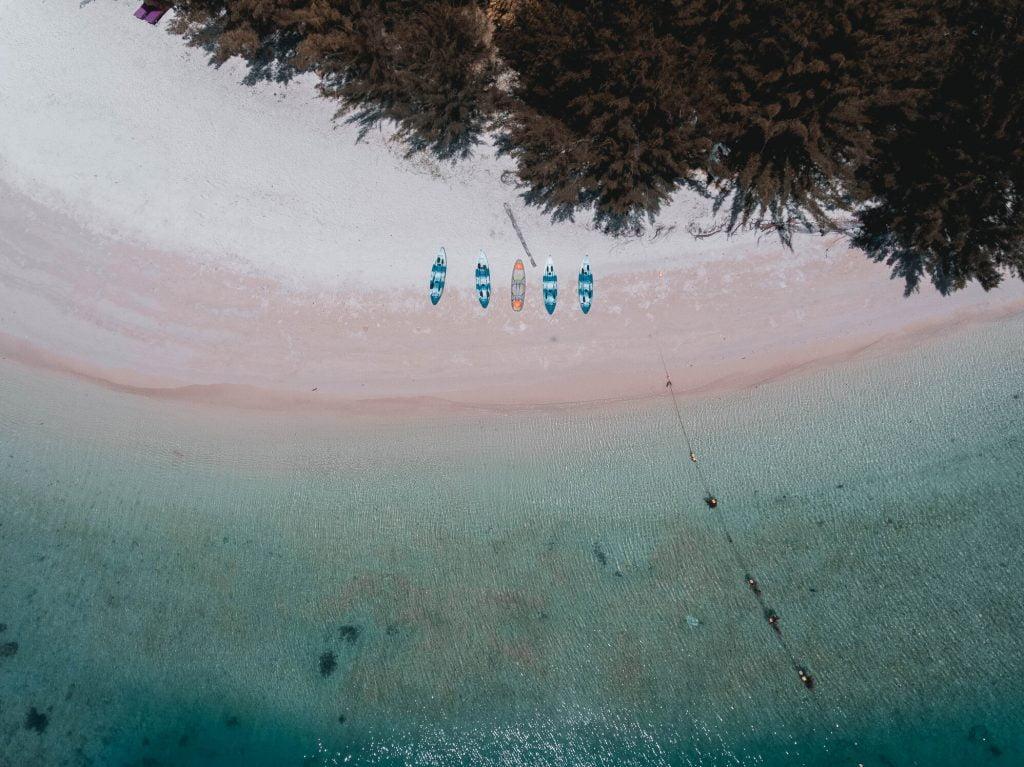 5 - Top Drone View of Ara Dinawan Island_